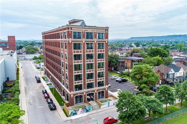 401 286 Sanford Avenue N  Hamilton for lease