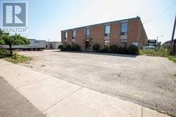 1868 Drew Rd  Mississauga for lease