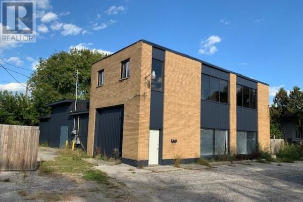1434 Campbell  Windsor for lease