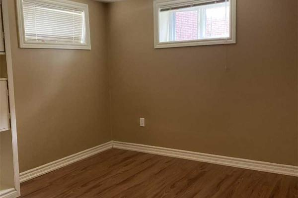 561 16th Ave  Richmond Hill for rent