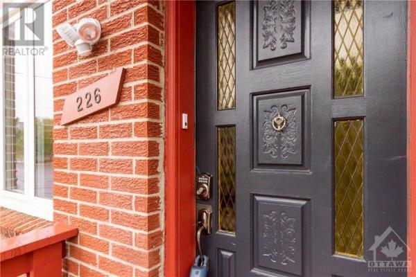 226 Bruyere Street  Ottawa for lease