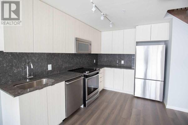 #th102 -3237 Bayview Ave  Toronto for rent