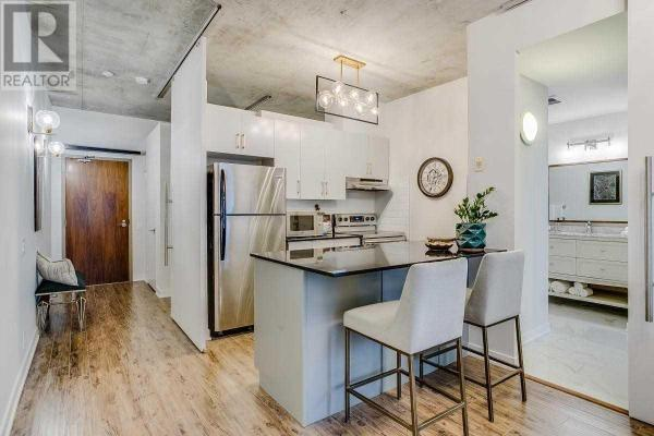 #305 -36 Charlotte St  Toronto for lease