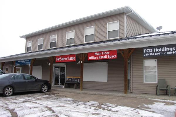 5112 Lac Ste Anne Trail  Onoway for lease