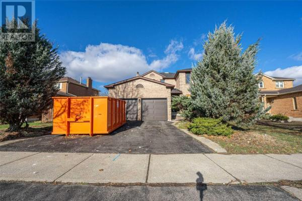 #Bsmnt -166 Knightswood Ave  Vaughan for lease