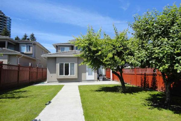 5838 Pioneer Avenue  Burnaby for rent