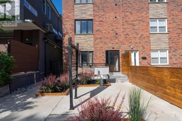 ##5 -62 Lippincott St  Toronto for lease