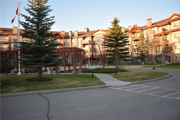 1302 Lake Fraser Gr Se  Lake Bonavista, Calgary for lease