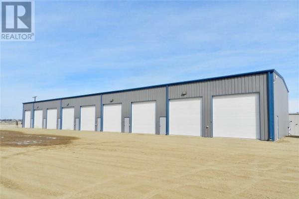 9 822 Snyder Rd  Moose Jaw for lease